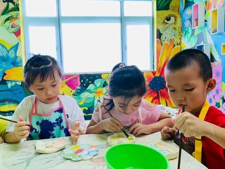 广州·番禺区·钟村 | ¥28元抢购单人拉坯纯玩体验套餐,陶艺DIY捏出花样,玩转艺术之美!激发创造力和想象力,拉出专属自己的土胚~