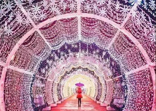 【上海】太梦幻了!78元抢北欧冰雪圣诞小镇·上海锦江乐园站,上海隐藏的一个比北欧更童话的地方!活动期间任意一天均可使用