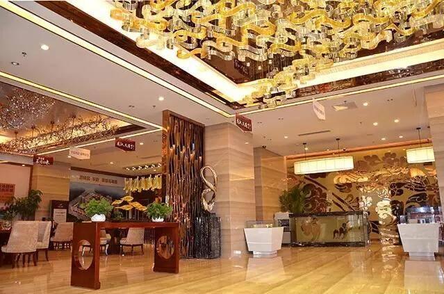 华丽雄伟的欧式建筑装饰风格 高贵典雅的酒店大堂西斯廷拱廊 再现了