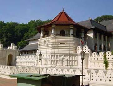 斯里兰卡6天游景点_圣城【康提】-佛牙寺