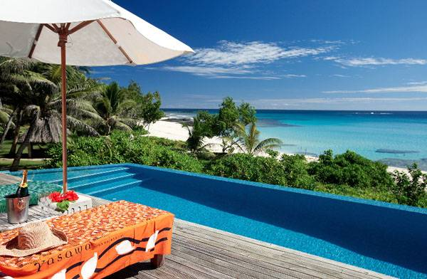 享受南太平洋珍珠般的阳光和沙滩