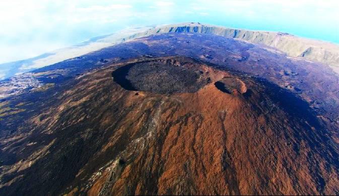 留尼汪岛富尔奈斯火山