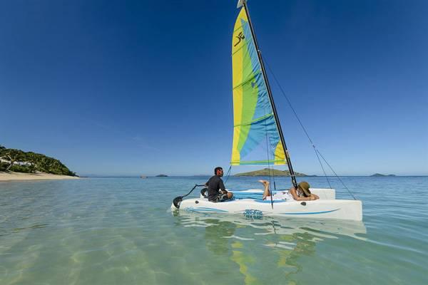 斐济植物岛度假村-双体帆船航行