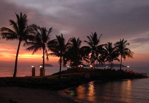 沙巴五天游_马来西亚沙巴海上日落
