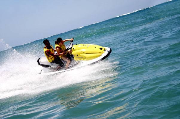 巴厘岛5日游-印尼巴厘岛水上活动么托艇