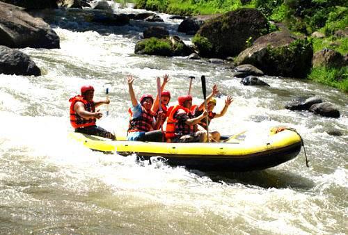 印尼巴厘岛阿勇河漂流