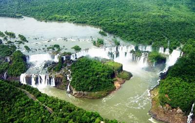 南美四国游景点_巴西依瓜苏瀑布群