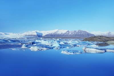 北极旅游景点-冰岛瓦特纳冰川湖