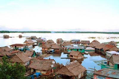 南美旅游景点_秘鲁伊基托斯土著村落