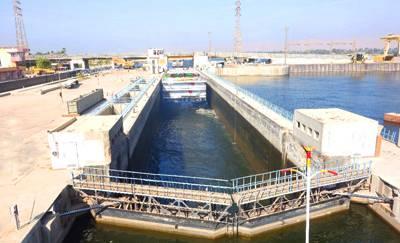 埃及10日游景点_伊斯纳水闸门