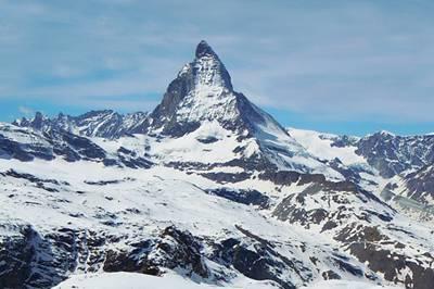 瑞士10天游景点_瑞士马特洪峰