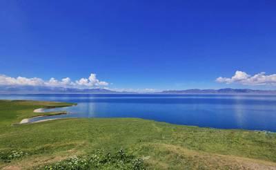 新疆8天游景点_新疆赛里木湖