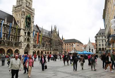 东欧五国波西米亚之旅10天游_德国慕尼黑玛丽安广场和新市政厅