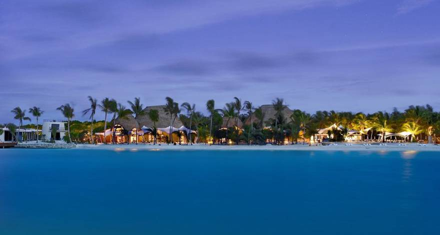 马尔代夫康杜玛岛(Holiday Inn Resort Kandooma)6天4晚自由行,4晚沙滩屋【香港直飞】
