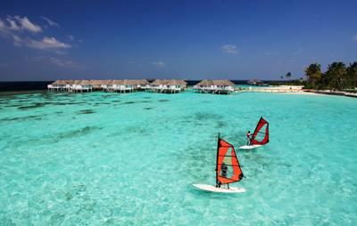 马尔代夫中央格兰德岛享受美好时光