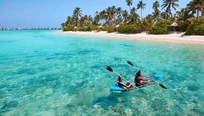 马尔代夫梦幻岛的美女