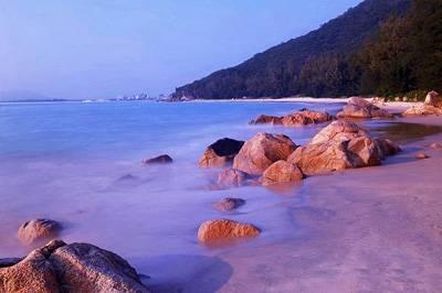 海南4天游景点_海南南湾猴岛七彩沙滩