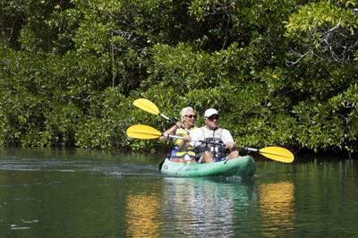 斐济8天游_斐济萨瓦喜度假村-划艇