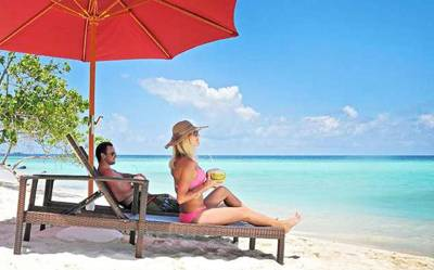 馬爾代夫馬富士島5天游:馬爾代夫馬富士島(居民島)-沙灘上享受美景