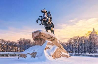 俄罗斯10天游_俄罗斯圣彼得堡-彼得大帝青铜骑士像