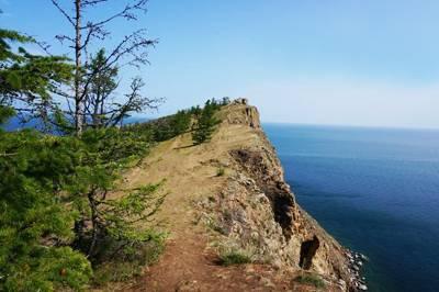 俄罗斯贝加尔湖8日游_俄罗斯谢尔盖圣三一教堂