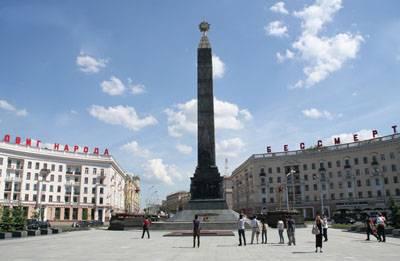 白俄罗斯-教堂和胜利纪念碑