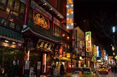 日本6天游:日本新宿购物大道