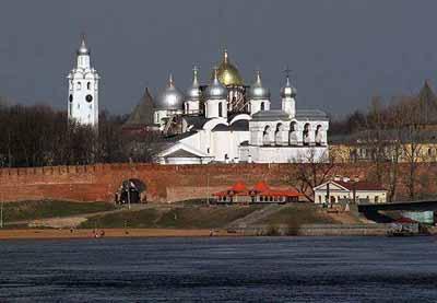 俄罗斯10天游景点_诺夫哥罗德克里姆林宫