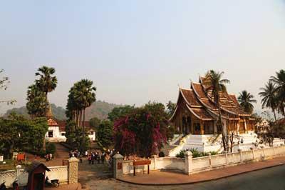 老挝六天游:老挝关西瀑布