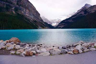 加拿大10天游景点_加拿路易斯湖
