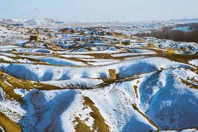 新疆7天游景点_新疆五彩滩