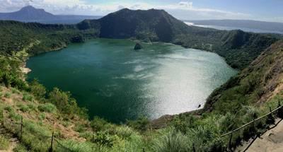 菲律宾海豚湾五天游_菲律宾塔尔火山湖