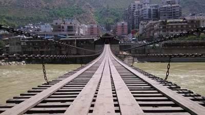 四川6日游:泸定桥铁索桥