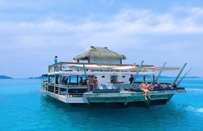 新喀里多尼亚+斐济11天游:Cloud9 海上酒吧