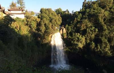 云南6天游:叠水河瀑布