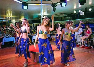 泰国六日游-泰国东方公主号人妖表演