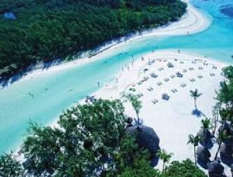毛里求斯、马达加斯加12天游_毛里求斯国际五星奥特瑞格酒店泳池
