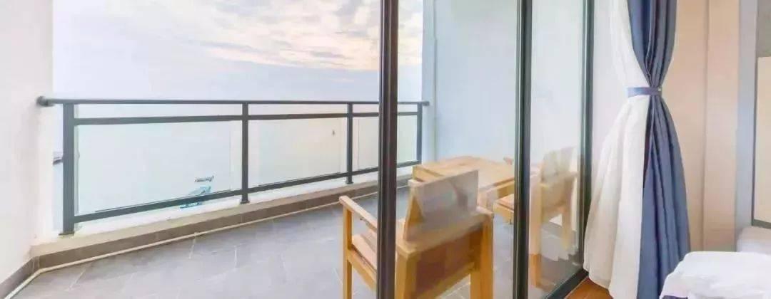 闷傻了吗!go!去双月湾网红海角6号酒店,199元就有2间海景房!打卡顶楼无边际泳池~登双月湾观景平台,看双月湾全景!
