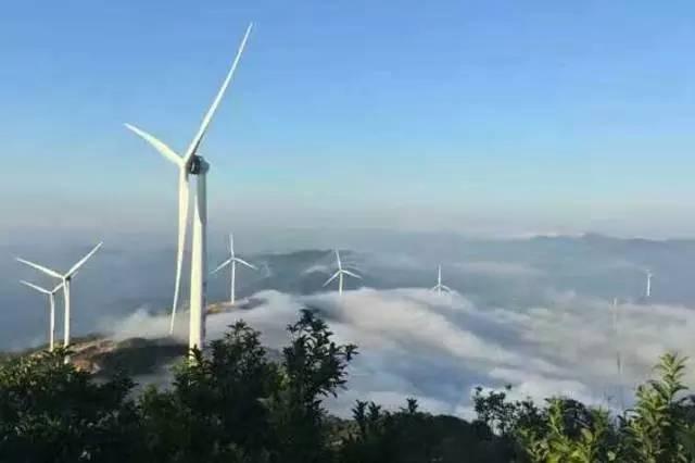 风车山,沿路风景优美,山景海景尽收眼底,还以为自己在台湾的苏花公路