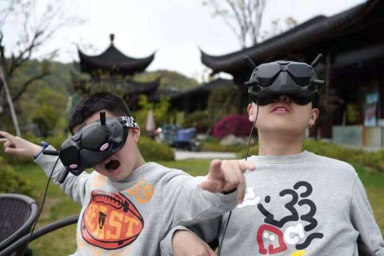 杭州户外新选择!¥78『铜鉴湖』特惠套餐,皮划艇30分钟、AR飞行体验、手绘风筝,坐标西湖区双浦镇,假期玩出不一样!单人特惠套餐