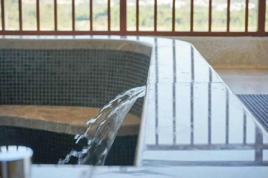 【增城】1888元入住广州森林海温泉度假酒店1间2晚,网红威尼斯泳道+私家泡池~~开门即见白水寨瀑布!遛娃避暑好去处~拥抱大自然的美!