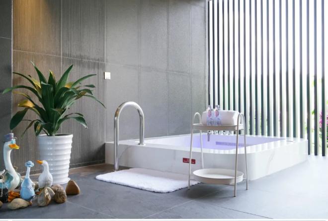 【广州 · 从化】1288元入住从化上水精品设计酒店!感受假日舒适的度假体验~含豪华客房+双人早餐+泡温泉~