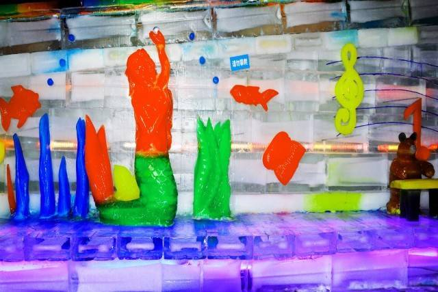 【东莞·水濂山】市民解暑福利!家门口的玩雪盛宴~12.8元秒杀·水濂山欢乐世界冰雪世界3次卡,看真雪、真冰雕,-10℃雪飞舞中打雪仗、堆雪人!可拆分,可同时使用~周末、节假日通用