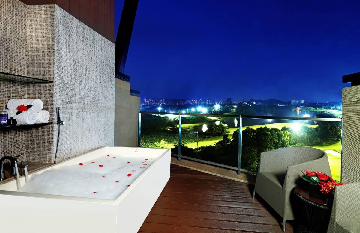 户外阳台浴缸.jpg