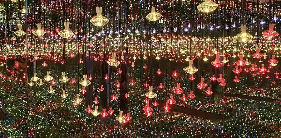 【罗湖东门·门票】网红拍照圣地,7D星空光影魔幻城(东门)来了!39.9元抢购68元的门票一张,2000+㎡大的场馆 12个区域,超过40种场景,拍足一天!