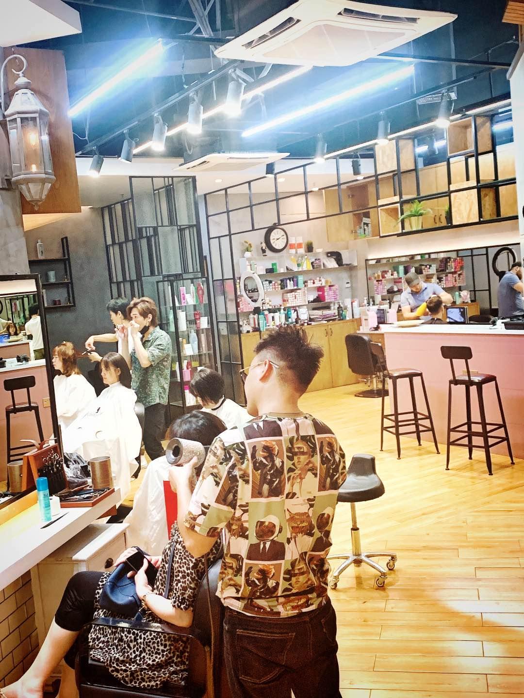 已下架~~【宝安壹方城·美发】低至1.2折!168元抢1388元『ROLA时尚造型Salon』美发套餐!专业造型师团队,一对一VIP级服务