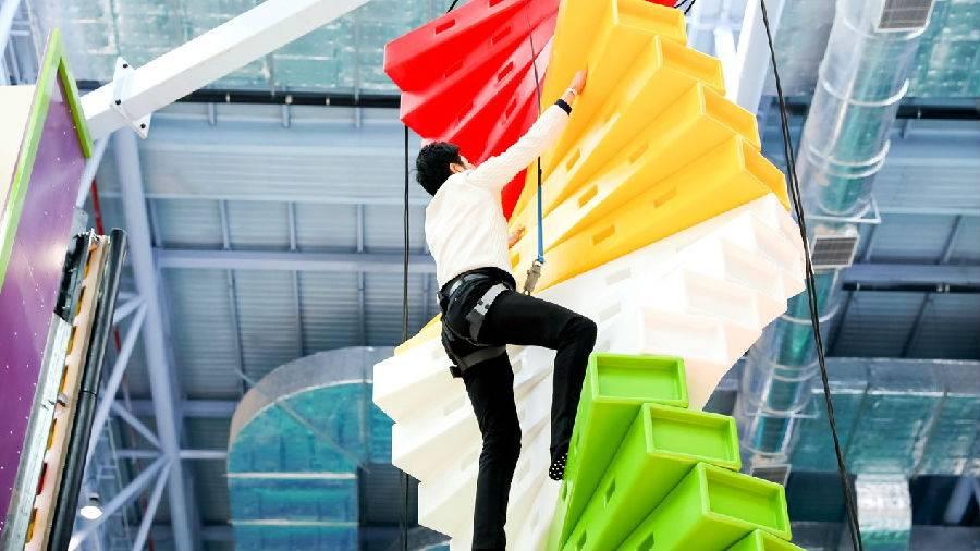 【广州·花都】【疯狂卡丁车】暑期不加价!周末只需699抢购广州花都皇冠假日酒店+融创体育世界双人卡丁车体验1次+双早,免费五星酒店泳池、健身,大品牌,高品质,暑假放心游!