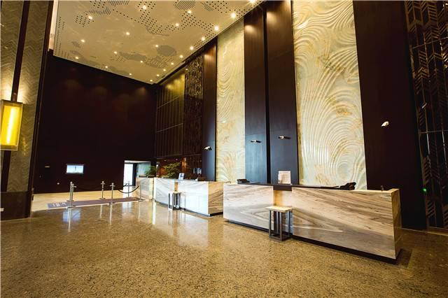 【无锡】888元抢无锡太湖华邑酒店高级房美食套餐!精美住宿,中西式美食,坐拥41层天际泳池!