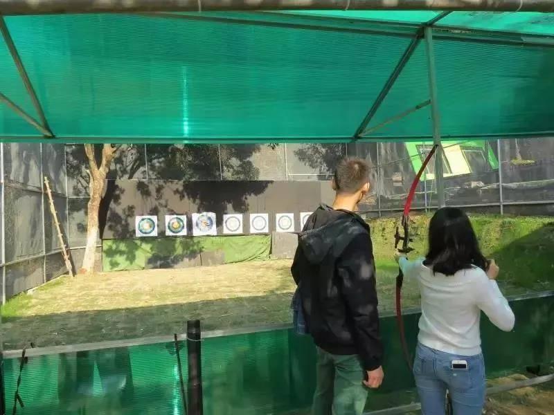 【龙岗求水山】45元抢求水山龙之谷1大1小亲子游乐套票:逼真恐龙+丛林穿梭、射箭、蹦床、攀岩等诸多项目一票通玩!