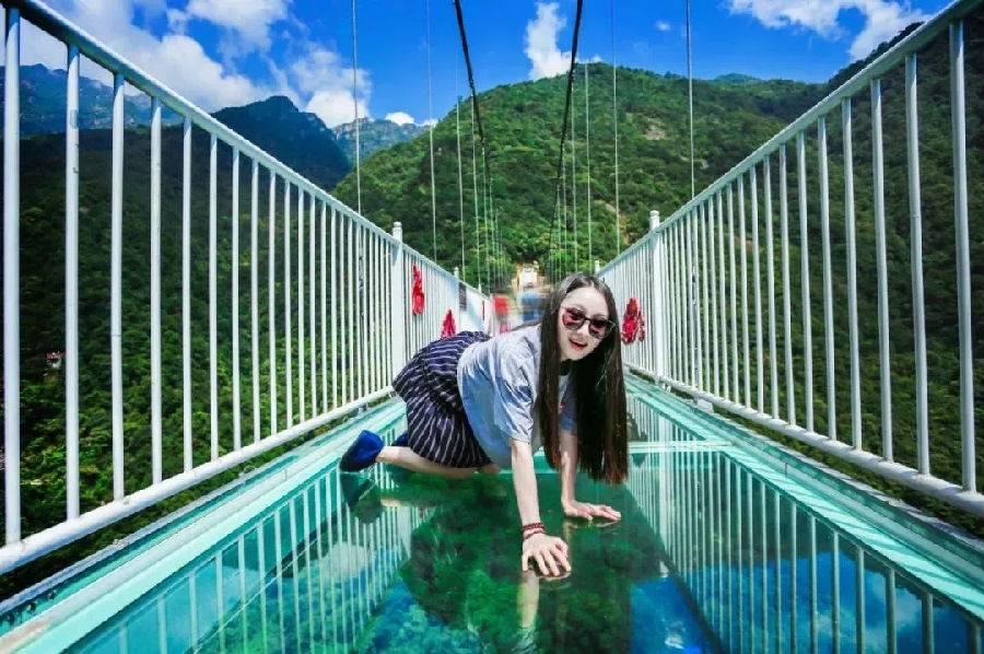 【韶关】云上观景三人票(观光、上程缆车、玻璃桥、玻璃平台、下山电梯、海洋公园)